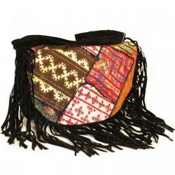 Bolso patchwork y terciopelo negro flecos