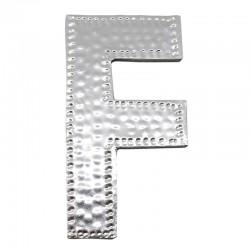 4 letras plateadas F